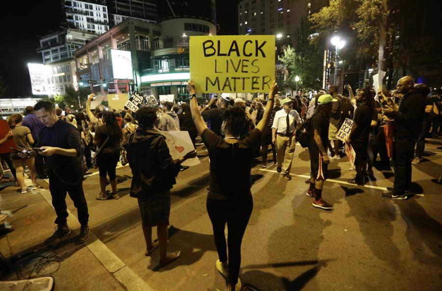 The police shooting of Keith Lamont Scott has sparked protests and unrest. BuzzFeed News correspondent Jim Dalrymple II is reporting from Charlotte, North Carolina.